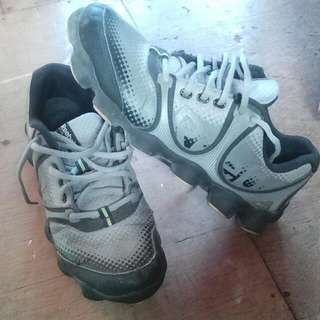Reebok US 7 1/2 Bought From Abrod Used But Not Abused