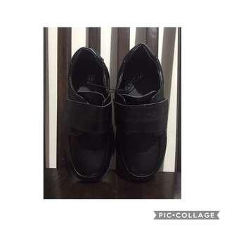 brandnew black shoes