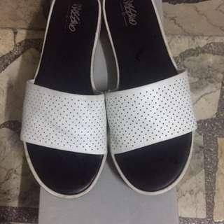 authentic mossimo slipper