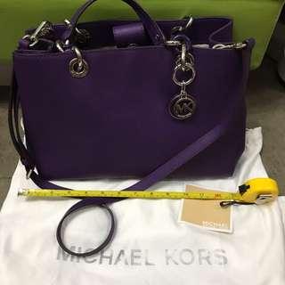 95% new authentic Michael kors bag