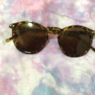 Brand new without tag F21 Sunnies