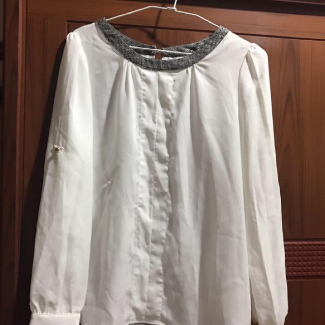 白色雪紡長袖上衣