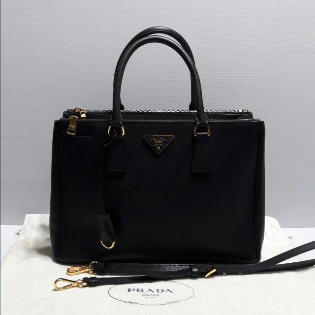 ... reduced authentic prada saffiano lux tote bag luxury bags wallets on  carousell c26e4 651b9 6353e45132