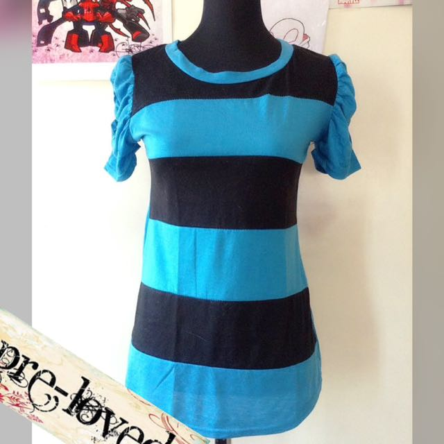 Black & blue stripped top w/ shirred sleeves