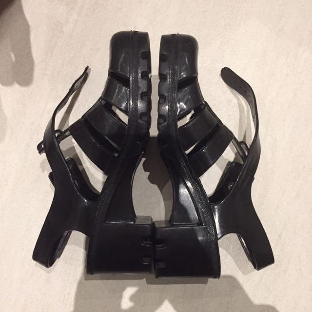 black juju jelly shoes/sandals