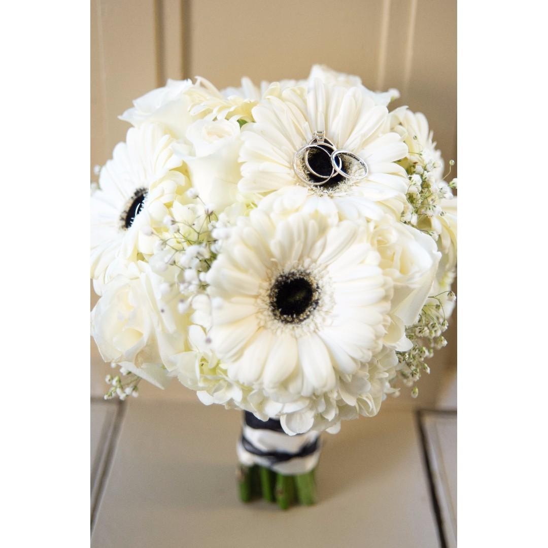 Fresh Flower Hand Bouquet Choice Image - Flower Wallpaper HD
