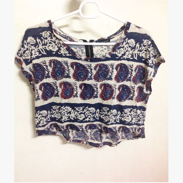 Chic Cropped Top