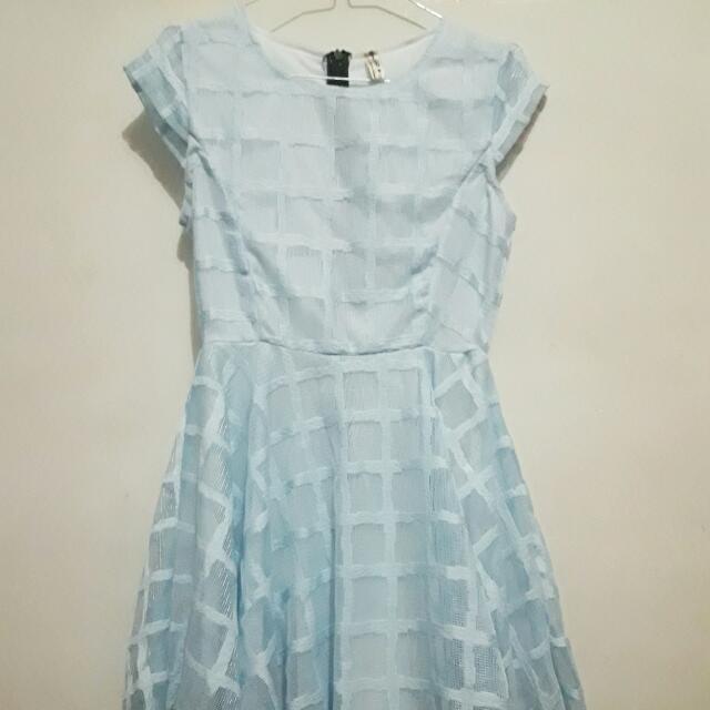 Dress Biru langit