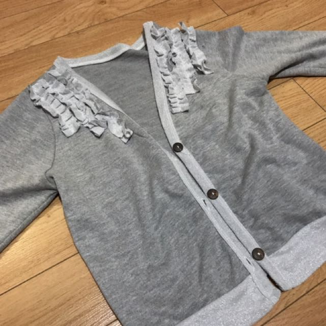 Gray cardigan RECOMMENDED !