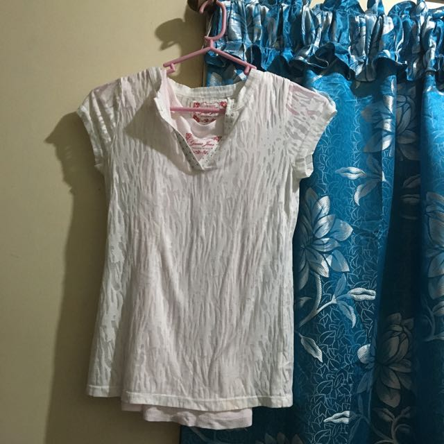 Guess. T-shirt With Inner Pink Sando