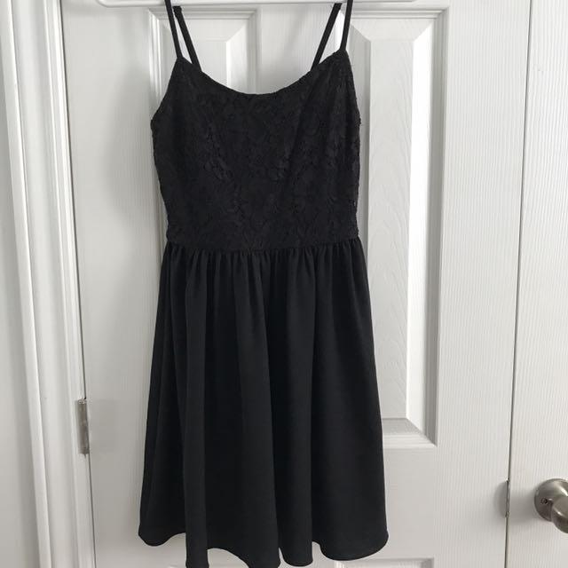 H&M Simple black lace dress
