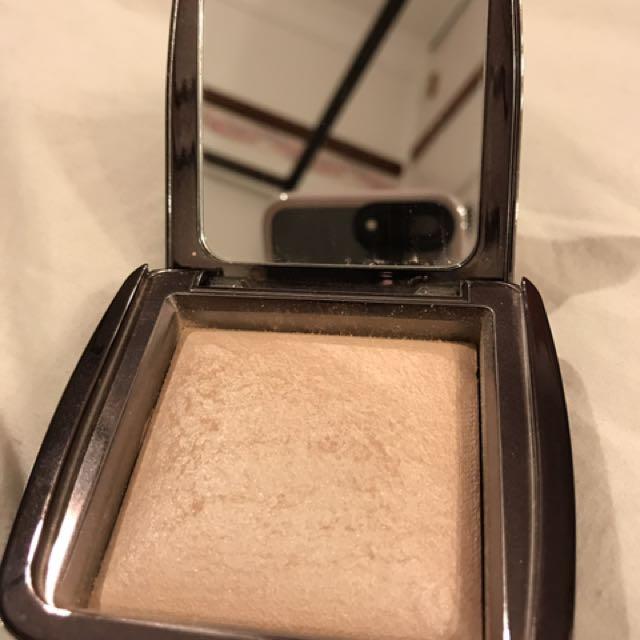 Hourglass Ambient Lighting Powder in Luminous Light