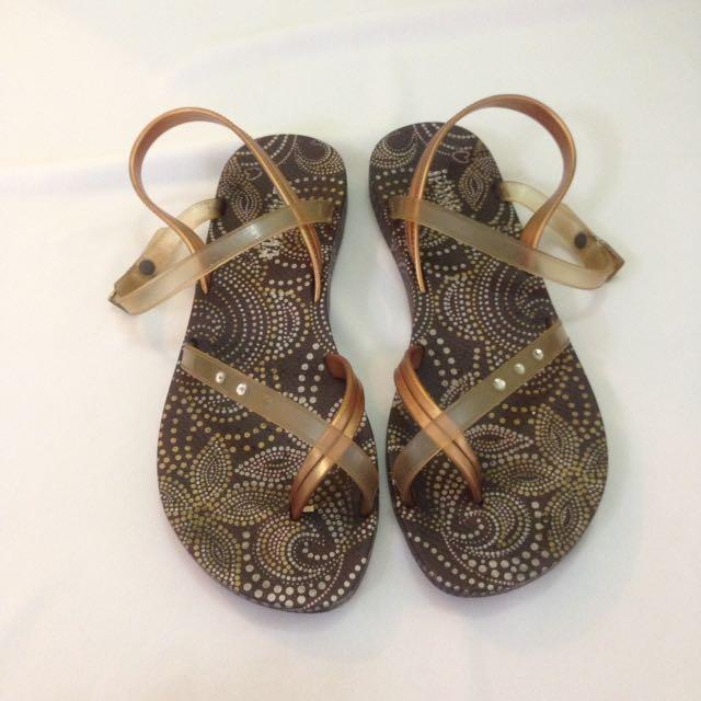 3563f5830011 Ipanema Grendene Sandals