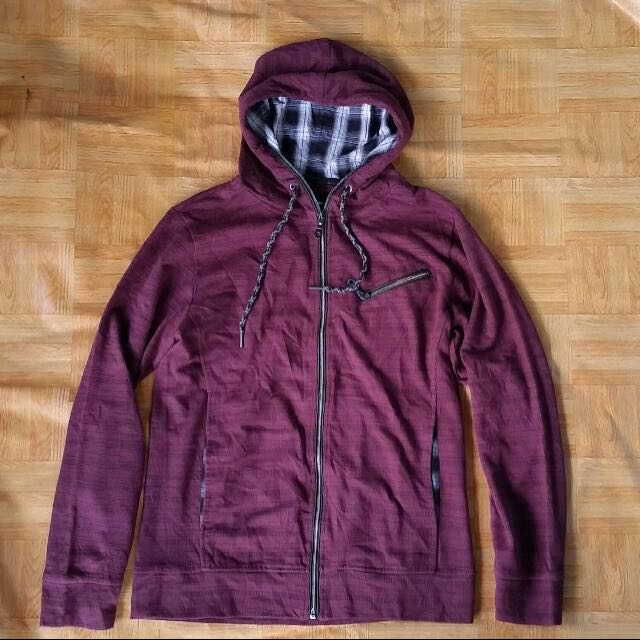 Jaket Plus One Maroon