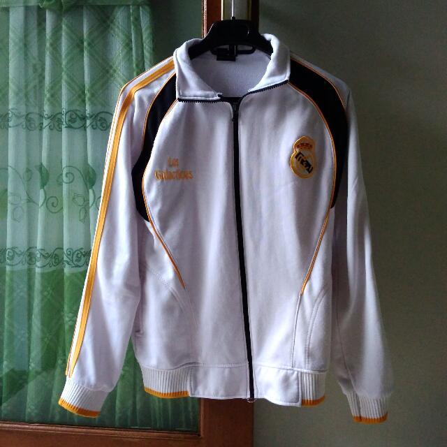 Jaket Real Madrid