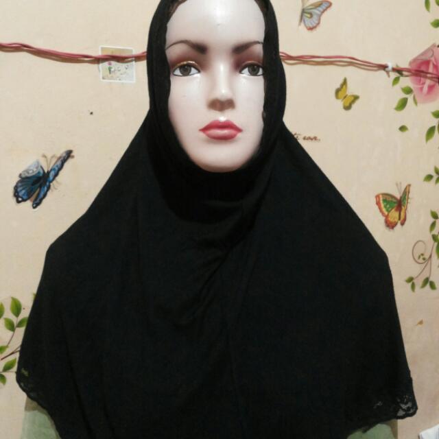 Jilbab hitam