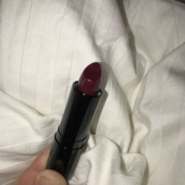 KIT lipstick