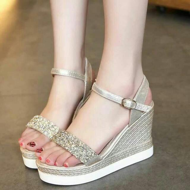KOREAN INSPIRED HEELS AND SHOES