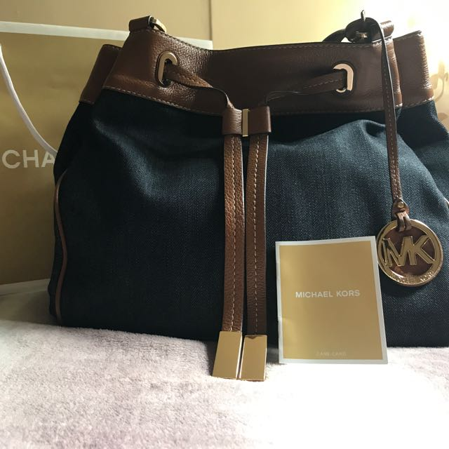 8f7f91f15bfe MICHAEL KORS LARGE DRAWSTRING( Usual Price $509 ), Luxury, Bags ...