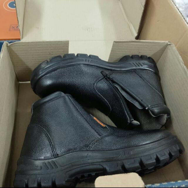 Sepatu Safety KENT size 7