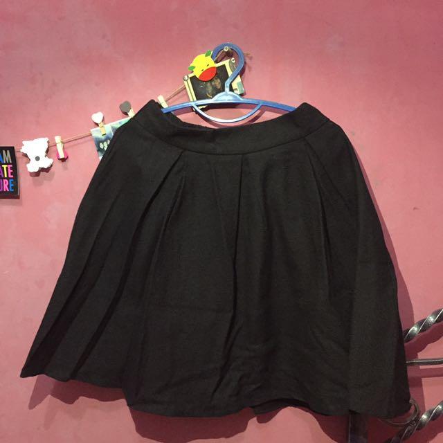 Flare Skirt / Rok Hitam BARU