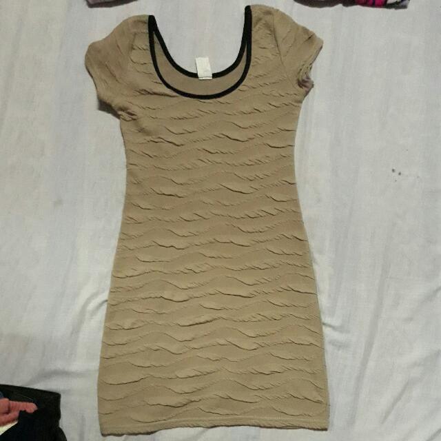 strechable dress