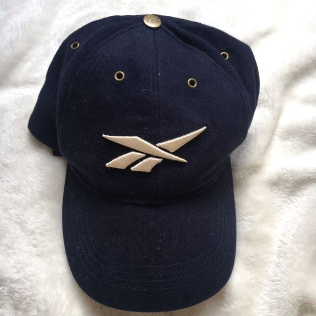 bfd33c22 VINTAGE REEBOK Cap, Women's Fashion, Accessories on Carousell