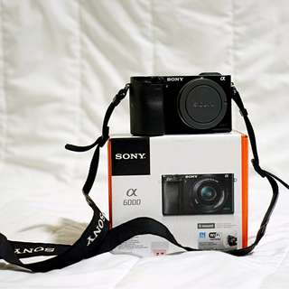 SONY A6000 + 2 Lens + 4 filters + Accessories