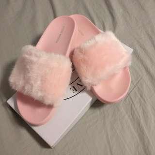 Steve Madden Pink Fluffy Slides