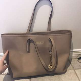 Authentic Michael Kors - Jet Set Travel Bag