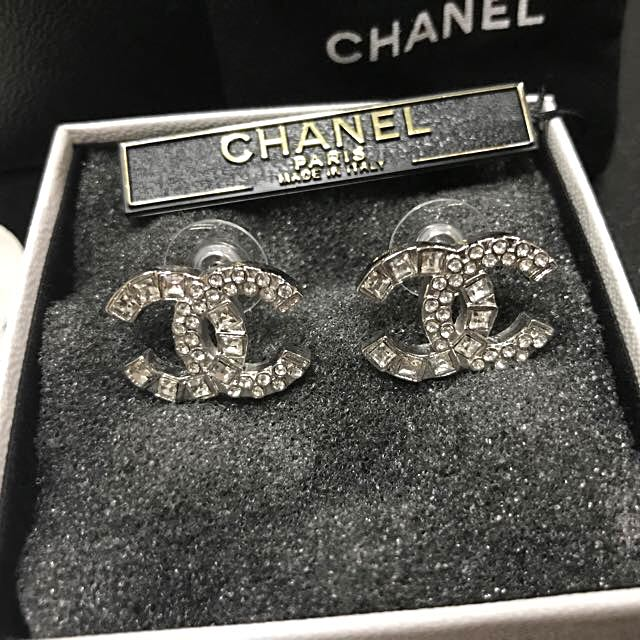 100% Authentic Chanel Crystal cc Logo Earrings Large Silver
