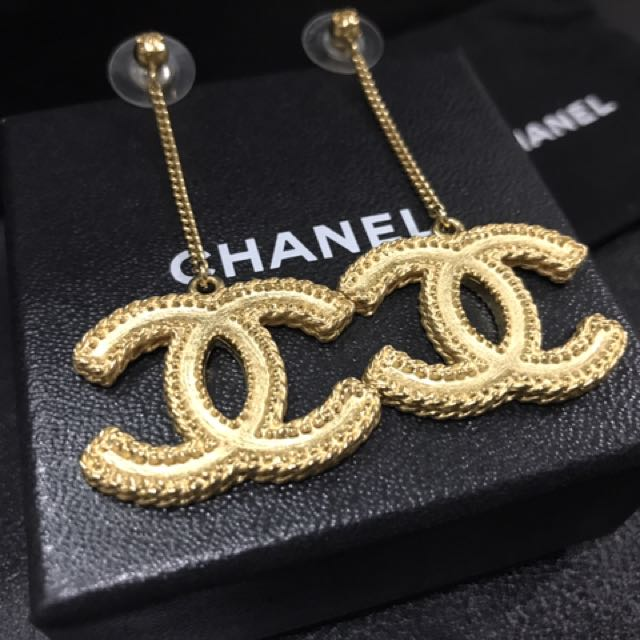 100% Authentic CHANEL Gold Drop Dangle XL CC Earring