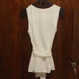 blouse putih pita