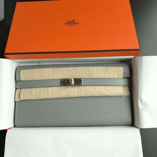 Brand New Hermes Kelly Wallet (Gris Mourette)