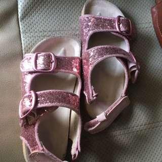 Sepatu H&M