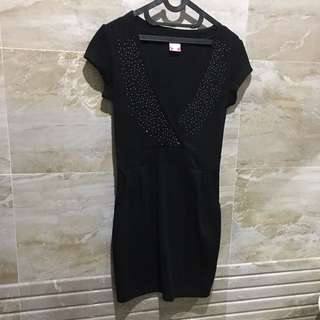Cammomile Black Dress