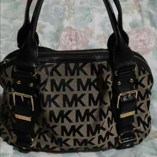 auth.mk hand bag(repriced)