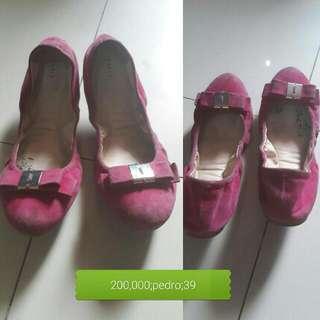 Preloved Pedro Suede Shoes