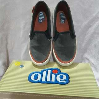 AUTHENTIC OLLIE SHOES