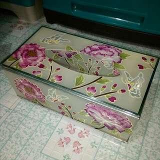 Floral Printed Tissue Holder