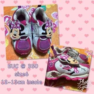 Minnie mouse rubber shoes