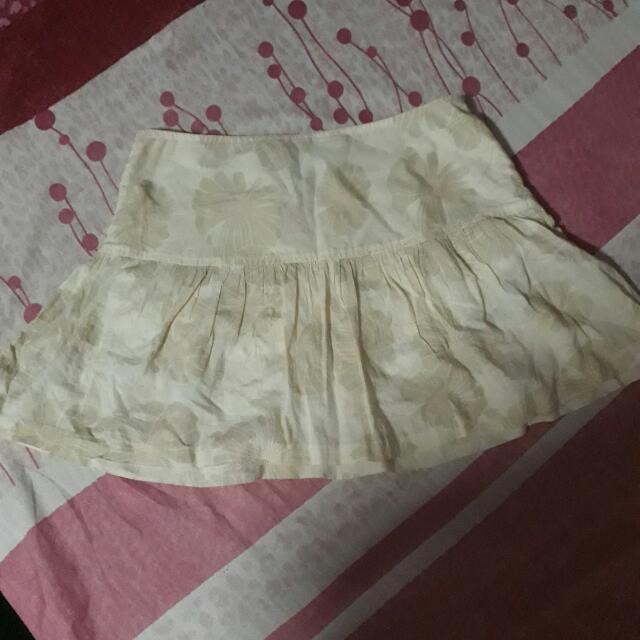 American Eagle Cream Skirt