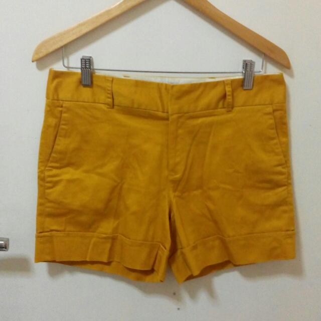 Arnessio Basic Mustard Yellow Shorts