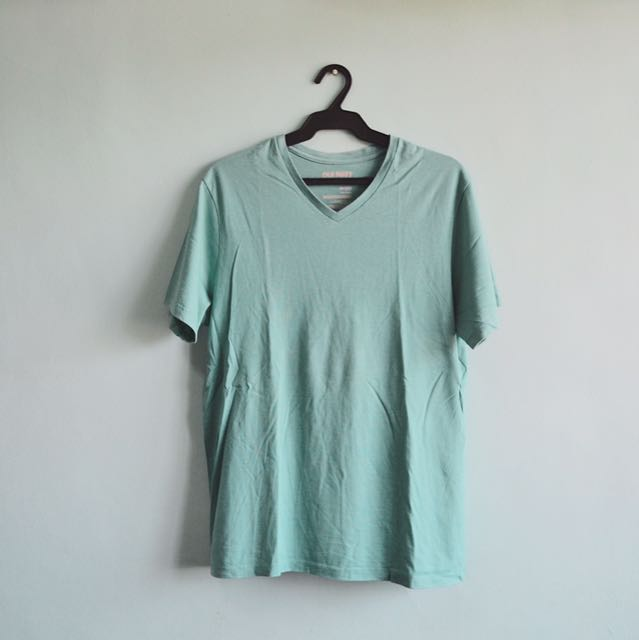 AUTHENTIC Old Navy V-neck Tee