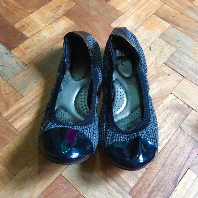 Black Comfortable Flats
