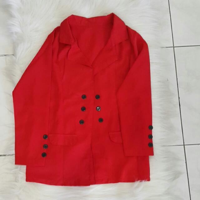 Blazer Merah