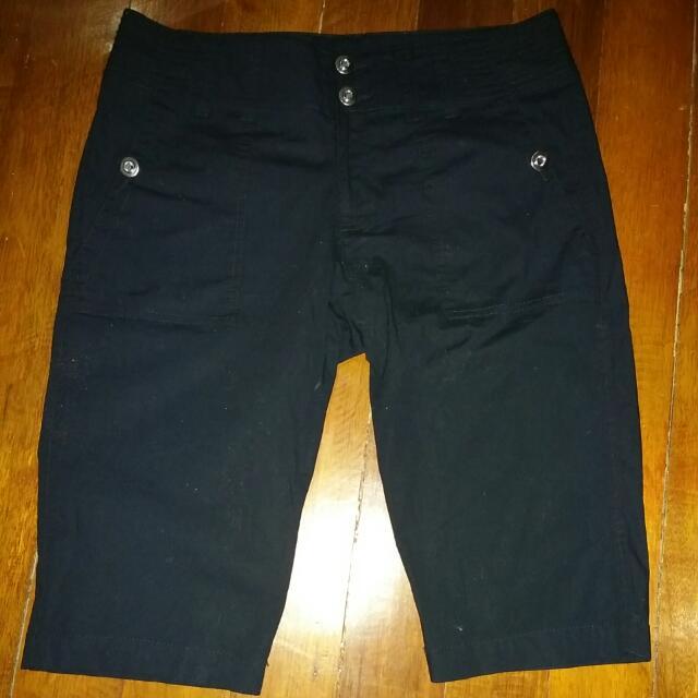 INTERNATIONAL CONCEPTS Mid Length Shorts