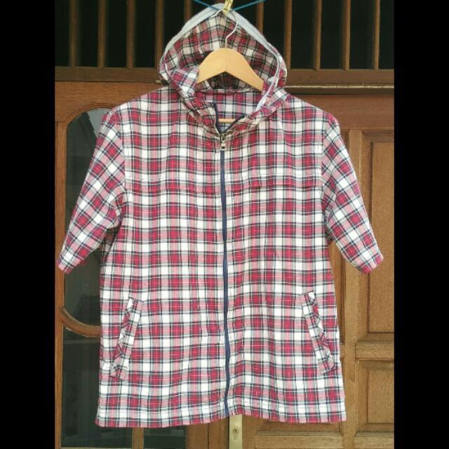 Jaket kemeja Hoodie pria cowok merk Uniqlo Original. Size XL