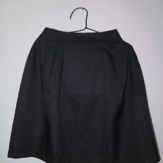 PRELOVED A LINE BLACK SKIRT