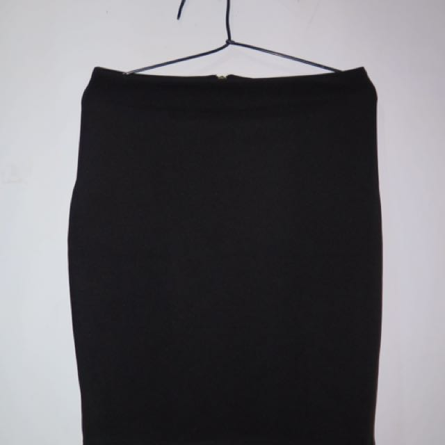 PRELOVED BLACK PENCIL SKIRT